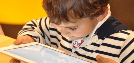 Çocukların güvenli teknoloji kullanımı için ailelere öneriler