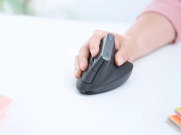 Bildiğiniz fare tasarımlarını unutun: Logitech MX Vertical